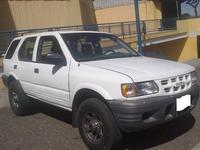 Isuzu Trooper , Gasolina , Manual, ano 2001 , precio es 3700 $ - Autos - Cabrero