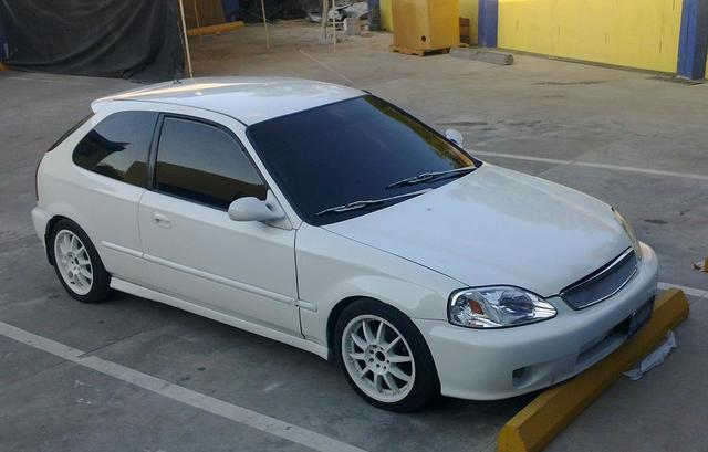 Honda Civic 2000 Hatchback Semi Modificado - Autos - Delgado